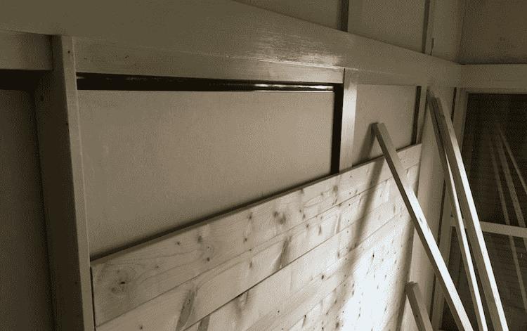 既存壁の上から壁を作る